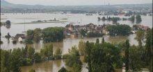 V Ústí nad Labem se cvičně staví protipovodňová hráz