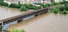 Ústí nad Labem a rozvodněná řeka Labe dne 3.června 2013