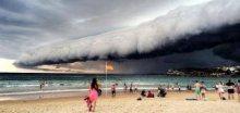 V Austrálii přes město Sydney se prohnala silná bouřka