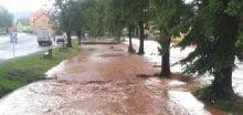 Přívalový déšť zatopil obec Žihle na Plzeňsku