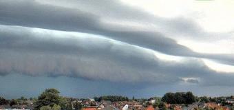 Video: Přes západní Evropu postupují intenzivní bouřky