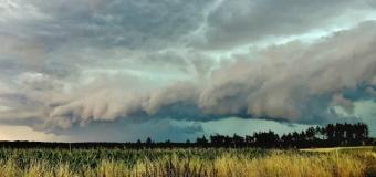 Shelf cloud na Kladensku ve středních Čechách