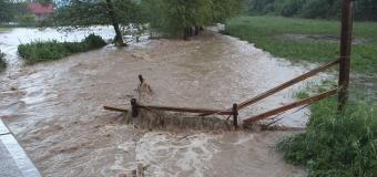 Tureckou Ankaru zasáhla bouřka, v ulicích bylo až 1,5m vody